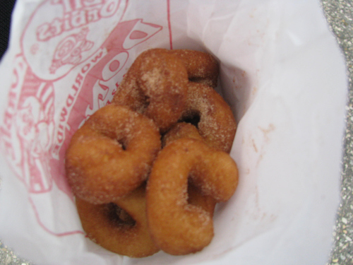 A Trip to the Mankato Farmers Market, Wherein Greg Orders a Bag o Donuts